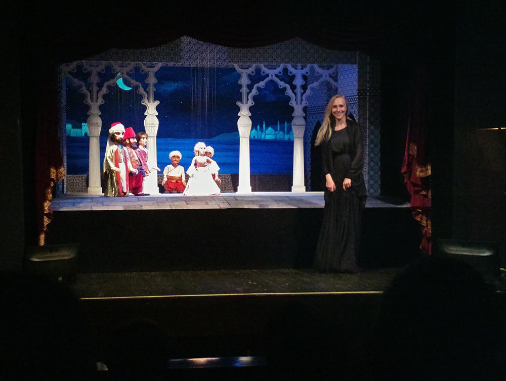 blonda marionetki